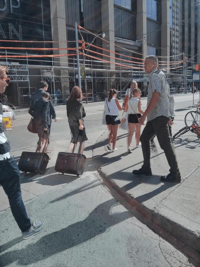そっくりな旅行客