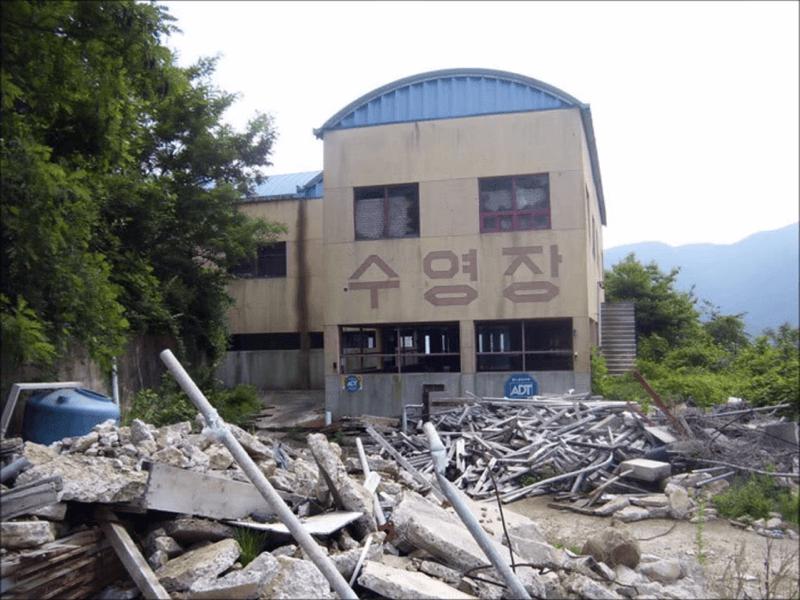 韓国の廃墟遊園地