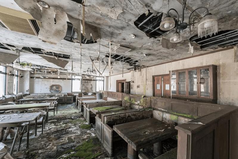 グリュック王国-廃墟のレストラン