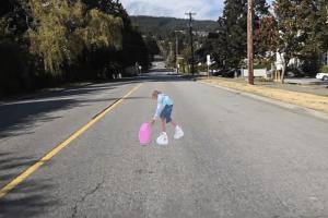 目の錯覚を利用した交通事故対策