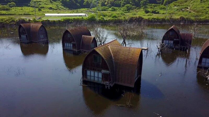 岡山の水没したペンション村