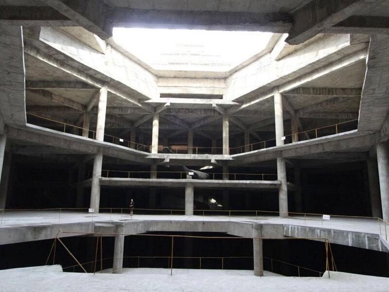 柳京ホテルの内部