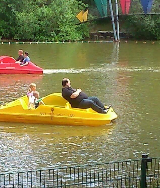 ボートを漕ぎたくない父
