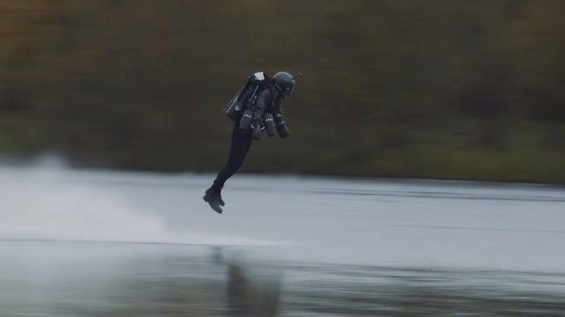 自作したアイアンマンスーツ