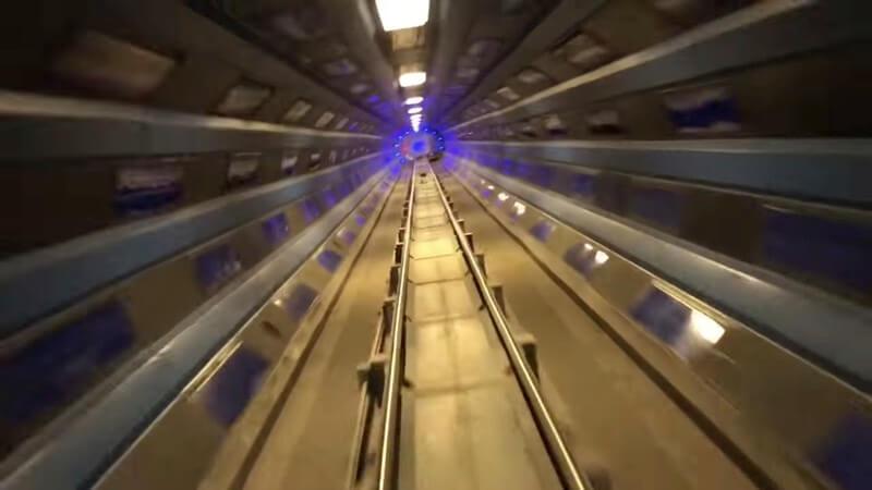 明るいスペースマウンテンの動画