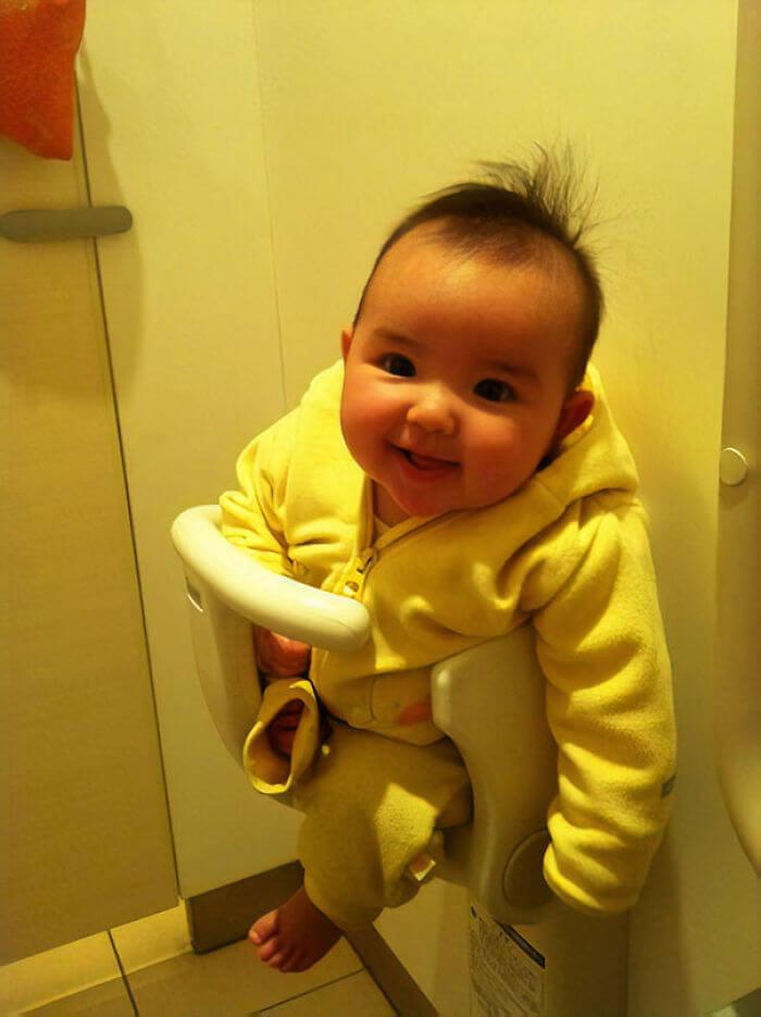 トイレに赤ちゃん用シートがある