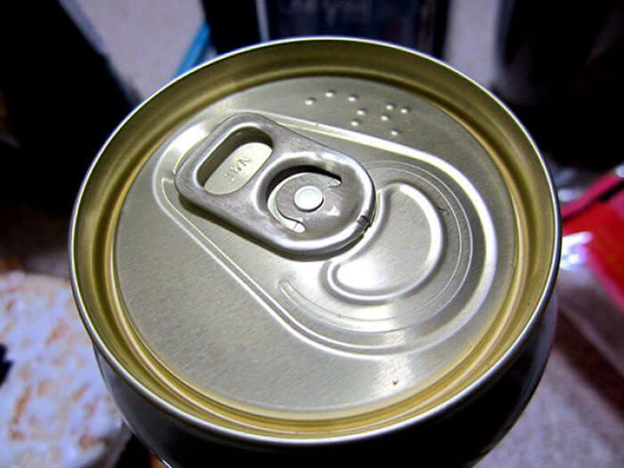 空き缶の点字