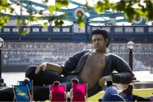 イアン・マルコム博士の巨大像