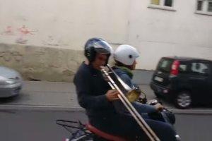 バイク音をトロンボーンで奏でる