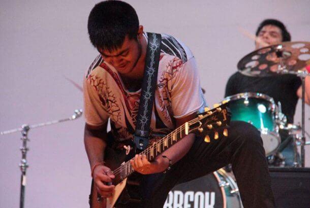 世界で最も早いギターリスト