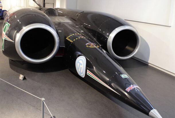 世界で最も早いロケット自動車