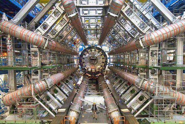 世界で最も早い粒子