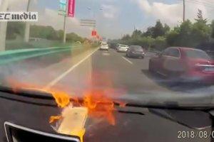 iPhoneが車の中で発火する