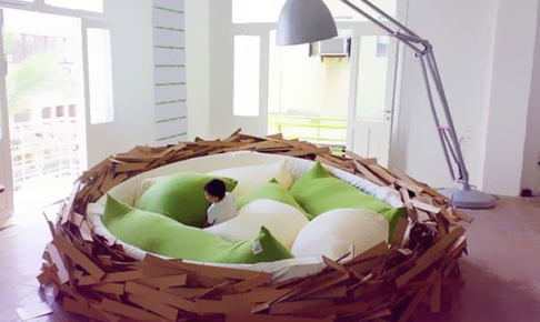 鳥の巣ベッド