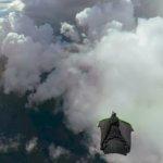 【動画】まさに鳥の体験。ウイングスーツを着て空から飛び降りる様子を360度カメラで撮影してみた。