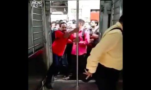 インドの通勤電車
