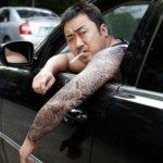 「ウチの甥っ子に何してんの?」韓国、いじめを追い払ってくれる「強そうなおじさん」を貸し出すサービスがスタート→人気になる。