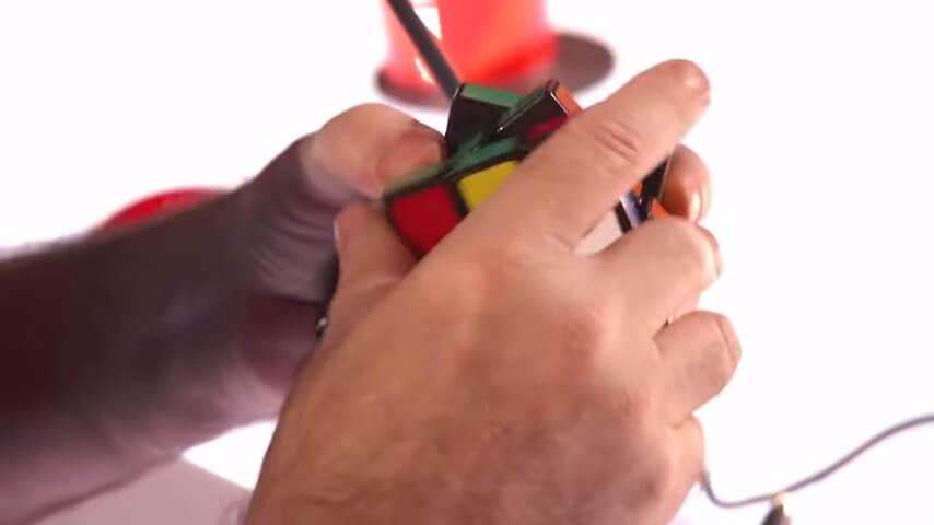 ルービックキューブを使ったマジック