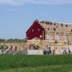 これがアーミッシュの力。たった10時間で巨大な小屋を作り上げるタイムラプス映像が凄い