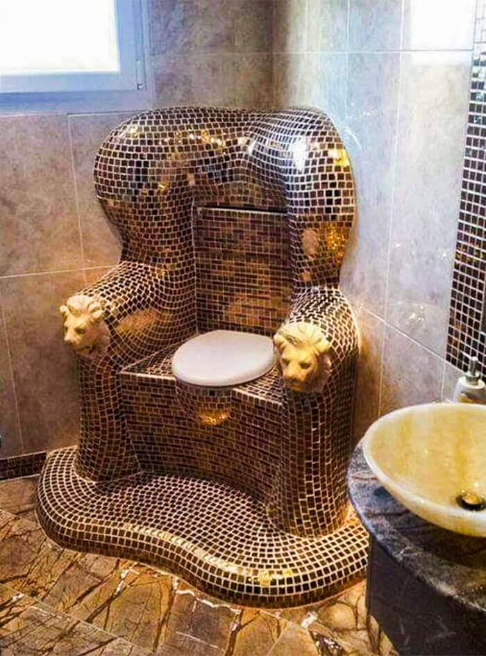 世界の変なトイレ